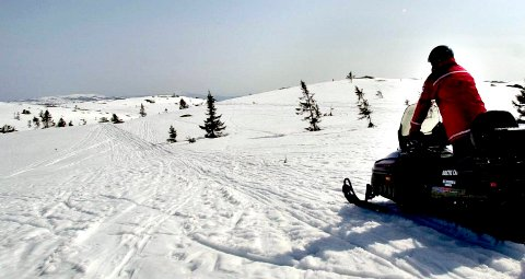 MOTORFERDSEL: Politiet fikk søndag melding om ulovlig snøscooterkjøring. Bildet er tatt for noen år siden.