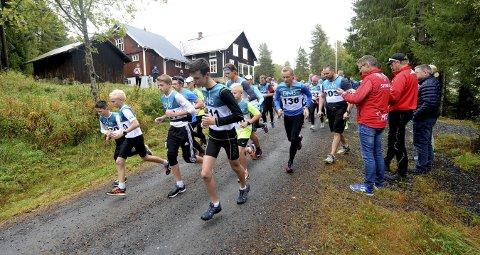 TRADISJONSRIKT: Lørdag arrangeres Numedalsløpet for 61. gang. Bildet er fra starten i Lyngdal i fjor.FOTO: OLE JOHN HOSTVEDT
