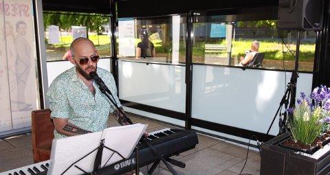 ALENE: Arild Settli spilte på Cafe Scala.