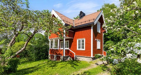 Det røde huset i Prinsdal ligger ute for omtrent samme pris som enkelte leiligheter i Nordstrand bydel.