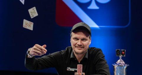 Sondre Sagstuen leder NM i poker etter første dag.