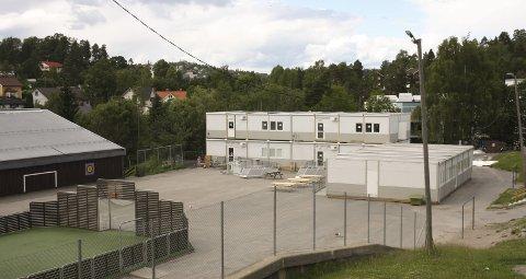NY ETASJE: To klasserom kommer på toppen av modulbygget som har vært i bruk et halvt år. FOTO: VIVI RIAN