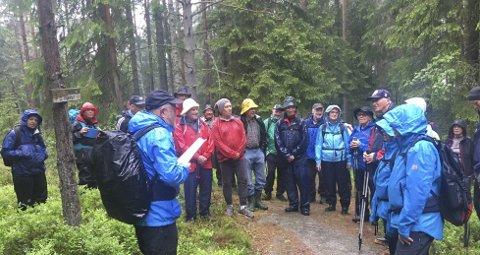 GUIDE GJENNOM 30 ÅR: Skogbestyrer Reidar Haugen har stilt opp som guide på Skiforeningens turer både vår og høst i 30 år. Søndag gjør han det igjen. FOTO: HARALD WISLØFF