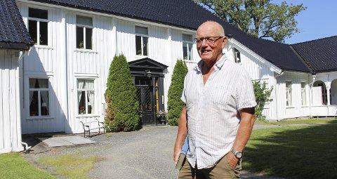HØVDING I SKIEN: Rolf Erling har snakket om å gjøre stas på Gunnar Knudsen lenge. Nå blir det endelig seminar. Han tror ikke det blir noe problem å etteranmelde Robin, hvis Robin har tid. Kåss har sagt han synes det er veldig positivt at Skien vil feire en porsgrunnsmann.