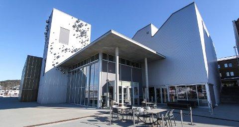 UTSATT: Alle arrangementer på kulturhuset er utsatt. Men Elvespeilet Mat & Vinbar og Grenland Kunsthall vil fortsatt holde åpent.