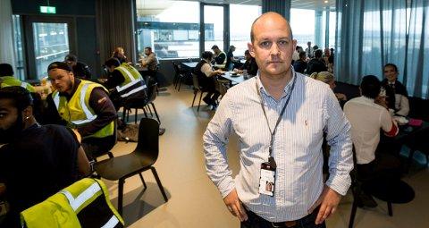 KLAR TALE: Kommunikasjonssjef på Oslo Lufthavn, Joachim Westher Andersen.