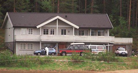TRIPPELDRAP: Pinseaften 1999 ble Anne Orderud Paust og hennes foreldre drept i kårboligen på Orderud gård. Nå er saken begjært gjenopptatt. Foto: Holm, Morten