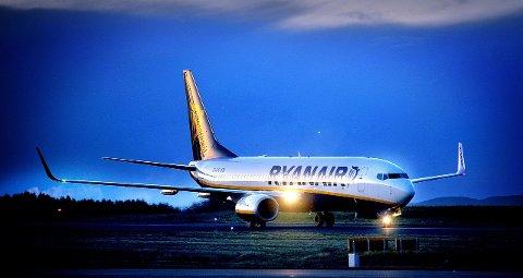 FLYSETEAVGIFT: Dersom flyseteavgiften blir innført, legger Ryanair ned sin base på Moss lufthavn Rygge. foto: Jarl M. Andersen