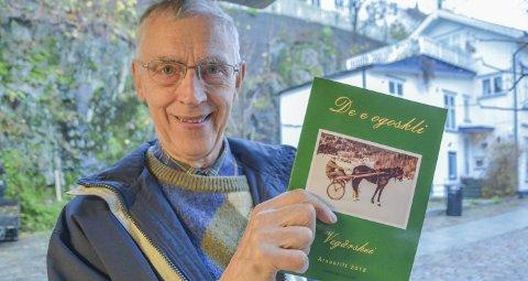 Kjent og kjært hefte: Johannes G. Torstveit og resten av redaksjonskomiteen er i mål med nok et årsskrift.Foto: Mette Urdahl