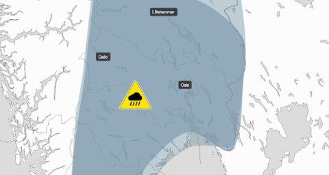 FAREVARSEL: Det kan komme styrtregn fra mandag av, og det er sendt ut gult farevarsel.