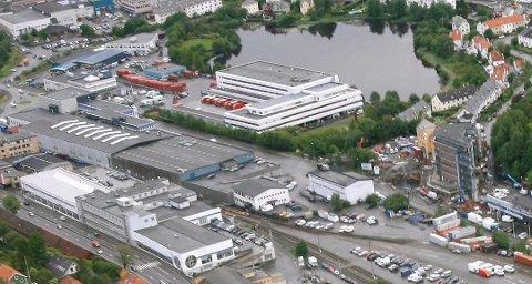 Postterminalen i Bergen har cirka 85 årsverk som jobber med ruteklargjøring av brevpost. Den arbeidsoppgaven vurderer Posten å la terminalen på Lørenskog ta seg av.