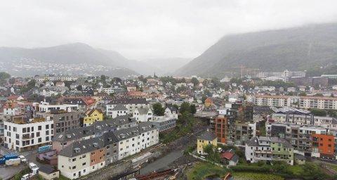 Her, hvor Bybane-linjene fra Fyllingsdalen, Flesland og etterhvert Åsane krysser, vil det danne seg et nytt sentrum  i Bergen.