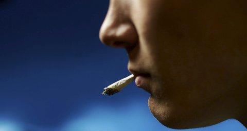ØKER: Tall viser at antall narkotikasaker i Nordland politidistrikt øker. Hasj er det mest brukte rusmiddelet. Arkiv/Illustrasjonsfoto: Kristoffer Klem Bergersen