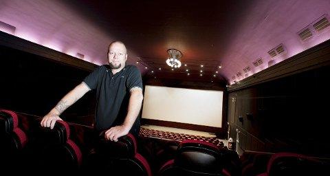 KINOSJEF: Clas Lucky Eriksen er godt fornøyd med at besøkstallene på Aladdin kino går oppover.