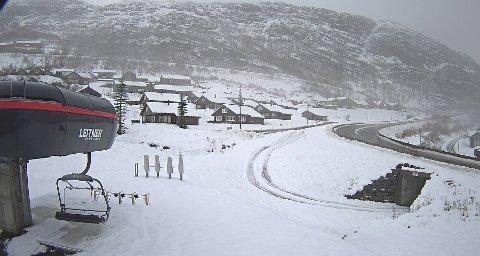 Denne uka kom snøen til Håradalen. Det fikk umiddelbart fart på både hytte - og heiskortsalget.