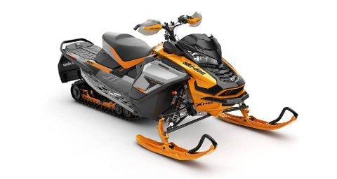 ACE: Dette er neste års Ski-Doo Renegade X-RS 900 ACE TURBO. ACE er et heftig søkeord brukt av finnmarkinger på Finn.no