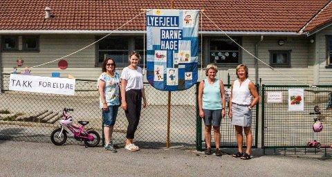 GLADE: Fra venstre: Møyfrid Nesse, Maren Steinsland, Bodil Lima og Berit Time Bø er glade for at barnehagen består.