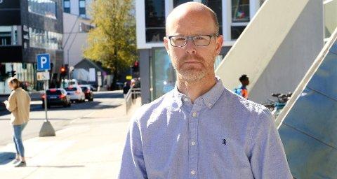 SØKER NY JOBB: Anders Vaaja Aspaas søker på jobben som kommunikasjonsdirektør i Sykehuset Telemark. Foto: Andreas B. Høyer