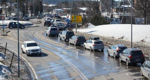 LUFTKVALITET: Nå kan du sjekke luftkvaliteten der du beveger deg eller bor. Varslingstjenesten Luftkvalitet i Norge lages daglig av Meteorologisk institutt. De kombinerer værmodellene med utslippsdata, for eksempel fra veitrafikk.