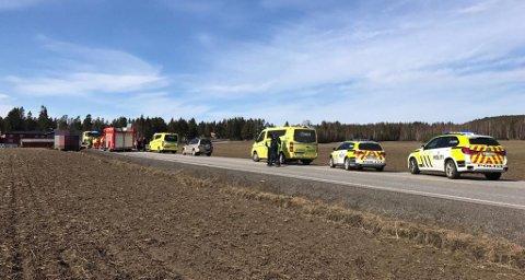 OMKOMMET: En person er bekreftet omkommet etter en trafikkulykke i Aurskog mandag ettermiddag.