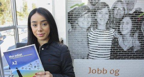 Hardt-arbeidende: Reham Mulla jobber hardt for å oppnå gode resultater. Hun sier hun skal begynne på videregående allerede neste år – bare halvannet år etter ankomsten sin i Norge. Deretter drømmer hun om å studere arkitektur.