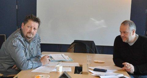 KRITISK OPPOSISJON: Gruppelederne Kenneth Sirevåg (H, t.v.) og Morten Bakker (Ap) raslet skikkelig med sablene da kommunestyret skulle opprette et nytt utvalg.