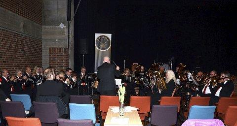 ARRANGØRBANDET: Slusebrass avsluttet den allsidige vårkonserten med nydelig framført blåsermusikk.