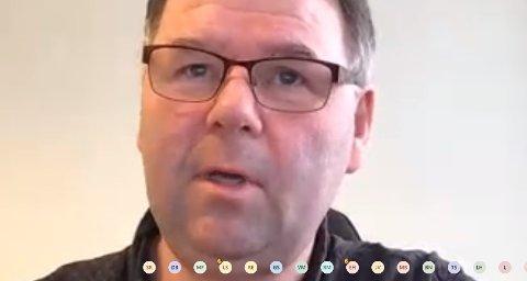 TEAMS: Hovedutvalgsleder Tore Kristiansen (FrP) fikk bare sin egne stemme på sitt forslag om hvordan man skal få flere leger til Steinkjer. Han fikk imdlertid lovnader fra de andre medlemmene at de skulle se nærmere på forslaget før det skal endelig vedtas i kommunestyret.