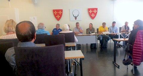 STILTE: Mental Helse håpet på en konstruktiv samtale rundt dagens situasjon, utfordringer og muligheter i Vestby under møtet mandag, der alle partier var representert.