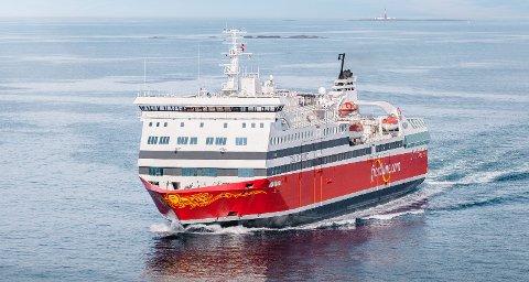 NY BESETNING: Det skal ansettes ny besetning på MS Oslofjord. Derfor lyser Fjord Line ut over 100 stillinger.