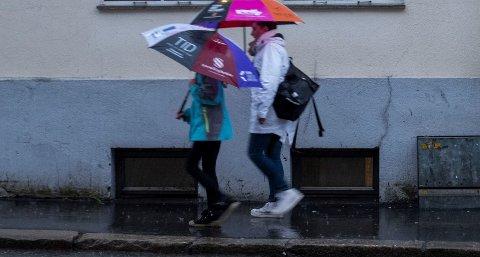 Det er meldt kraftig regnvær Sør Norge lørdag. Foto: Tor Erik Schrøder / NTB scanpix