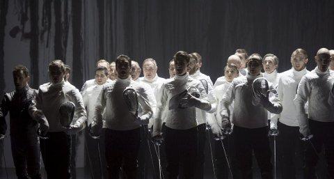 Dette bildet er fra «Romeo & Juliet»-forestillingen i Grieghallen i 2016, dirigert av Fabio Biondi. Det ble delt ut totalt 455 fribilletter til de fire forestillingene av opp-                  setningen i november. arkivfoto: Skjalg Ekeland