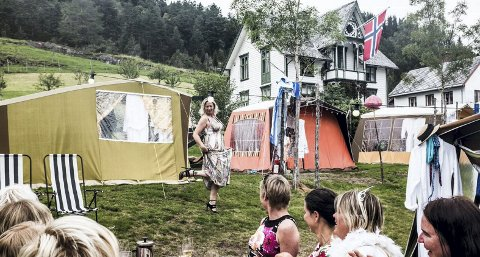 – Vi har en del telt som vi «glamper» opp med senger, dyner, morgenkåper med mer, sier Sue Janne Alsaker, presseansvarlig ved Bergen Nasjonale Opera.