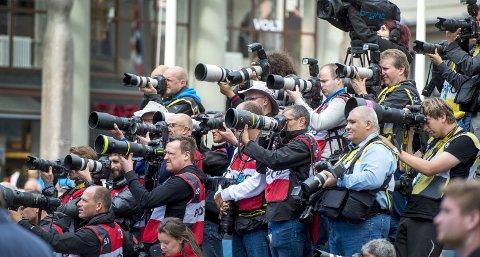 LITT KOMISK: Det var 850 fotografer fra hele verden akkreditert fra hele verden de ni dagen VM varte. Mange av dem tok de sammen bildene.FOTO: MAGNE TURØY