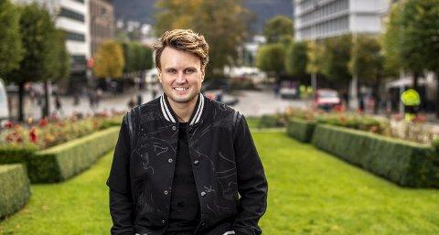 Kevin Vågenes (32) har opplevd stor suksess med humorserien «Parterapi», og kommer i den tredje sesongen med seks nye rollefigurer. Foto: Eirik Hagesæter
