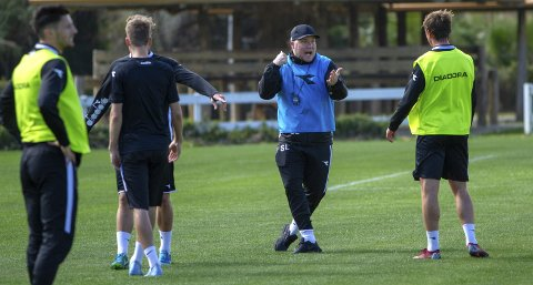 Da Steffen Landro ledet Nest-treningen tirsdag formiddag, visste han fortsatt ikke om de fikk to eller tre treningskamper i Marbella. Først i går kveld kom beskjeden om at de skal spille mot Start fredag kveld!