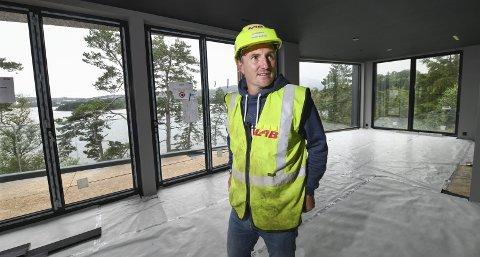 Christian Foss har selv kjøpt den største og dyreste boligen med utsikt over Nordåsvannet.