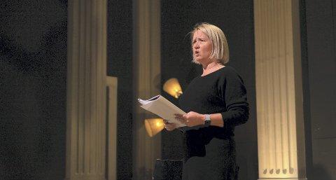 Stine King deltok i fjor i regi av KKHP i «Kraftverk- fra tekst til scene» der hun som en av åtte stemmer fra tidsskriftet fremførte sin tekst. Foto: Adrian Grindbakken