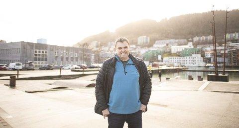 Festivalsjef Tor Egil Hylland har drevet festivalen Osfest de siste seks årene. Nå vil han heller flytte festivalen enn å legge ned.