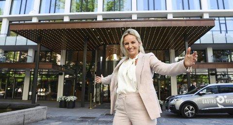 – Det har vært en mye mer positiv oppstart enn vi fryktet, sier direktør Lise Solheim på Hotell Norge by Scandic. Hotellet åpnet for to uker siden etter å ha holdt koronastengt. FOTO: RUNE JOHANSEN