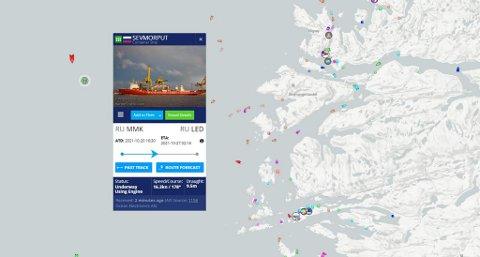 Gigantskipet er nå på vei ned norskkysten, og skal etter planen passere Bergen i ettermiddag.