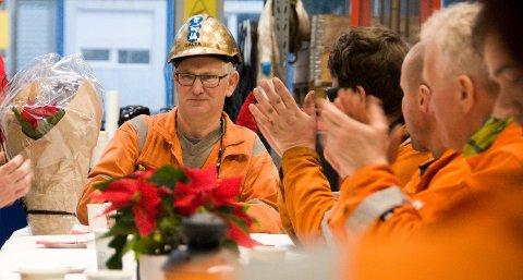 Leif Børge Galta fikk blant annet blomster, gullhjelm og applaus