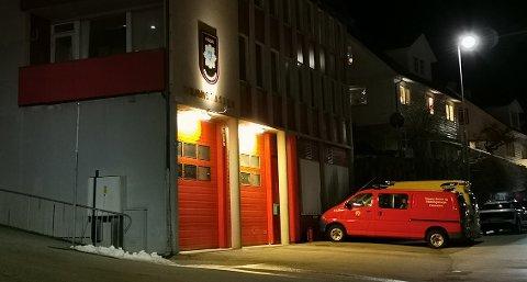 SNART NYTT: Både i Måløy (bildet) og i Florø er det nye brannstasjonar på gang, og dei første kostnadsoverslaga ligg rundt 170 millionar kroner.