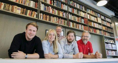 Programmakerne: Bernhard Ellefsen (fra venstre), Merete Lie, Wiggo Andersen (bak), Alekasander Bjørndal og Fredrik Ellefsen har satt sammen tre dager.Foto: Thomas H. Arntsen
