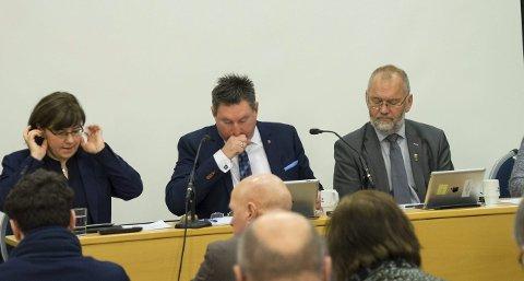 LEDET SITT FØRSTE BUDSJETTMØTE: Ordfører Rune Edvardsen (midten) ledet torsdag sitt første budsjettmøte. Der ble det blant annet vedtatt å investere i underkant av en milliard kroner i den kommende planperioden. Alle foto: Andreas Haakonsen