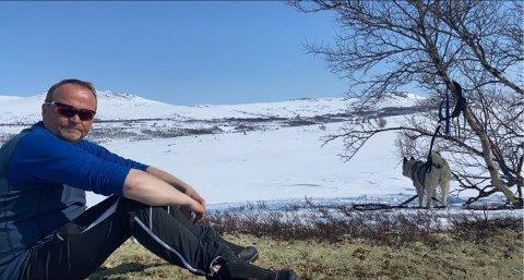 KAPRET JOBBEN: Bernhard Svendsgard ser frem til en ny arbeidshverdag som nasjonalparkforvalter på Villreinsenteret på Hjerkinn.