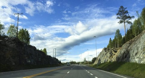 VEGEN: Striden dreier seg om betaling for bygging av 3,4 kilometer ny riksveg 4 – også kalt Lygna sør-parsellen.
