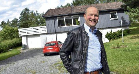 ELDRE: – Jeg er betydelig eldre i hodet enn min fysiske alder. Mange sier jeg er mentalt eldre enn mine 39 år, erkjenner Sps førstekandidat i Østfold, Ole André Myhrvold.