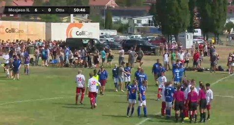 Kampen er over og MIL vant 7-0. Lagene takker for kampen. Foto: Skjermdump