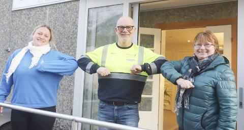 GLADE FOR STØTTE: Sigrid Sørdal (t.h) og Lill Karin Aanes i Termik er glade for pengestøtten de får fra Elektriker`n Mosjøen.
